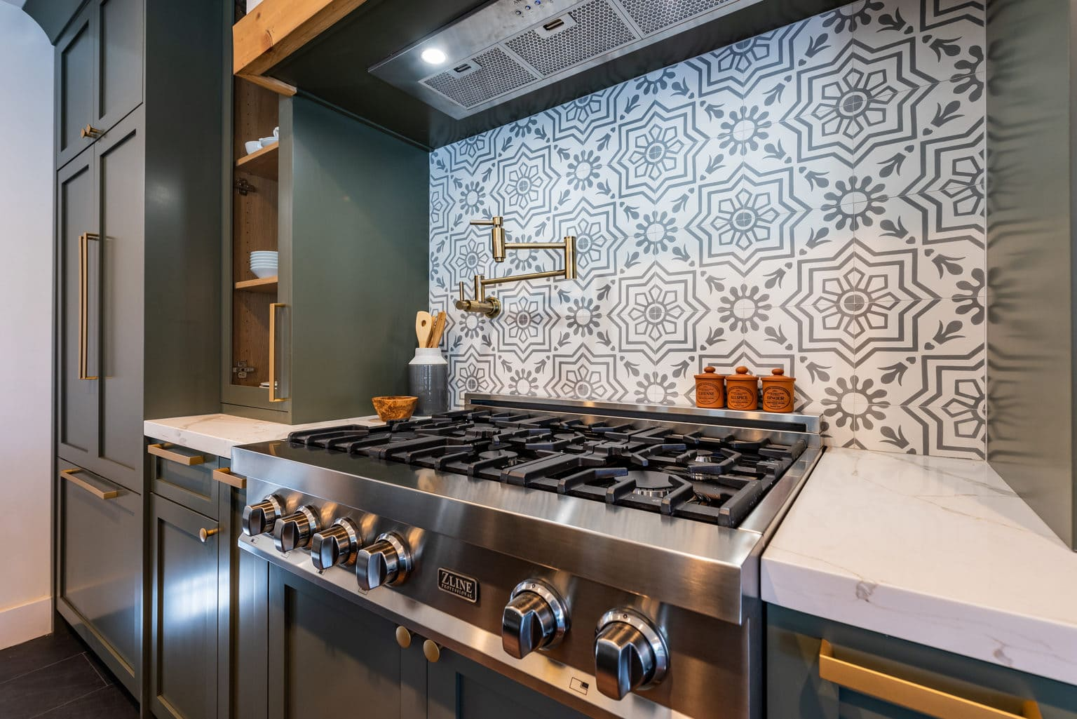 Modern Farmhouse kitchen #pumphouse Wilton Manors